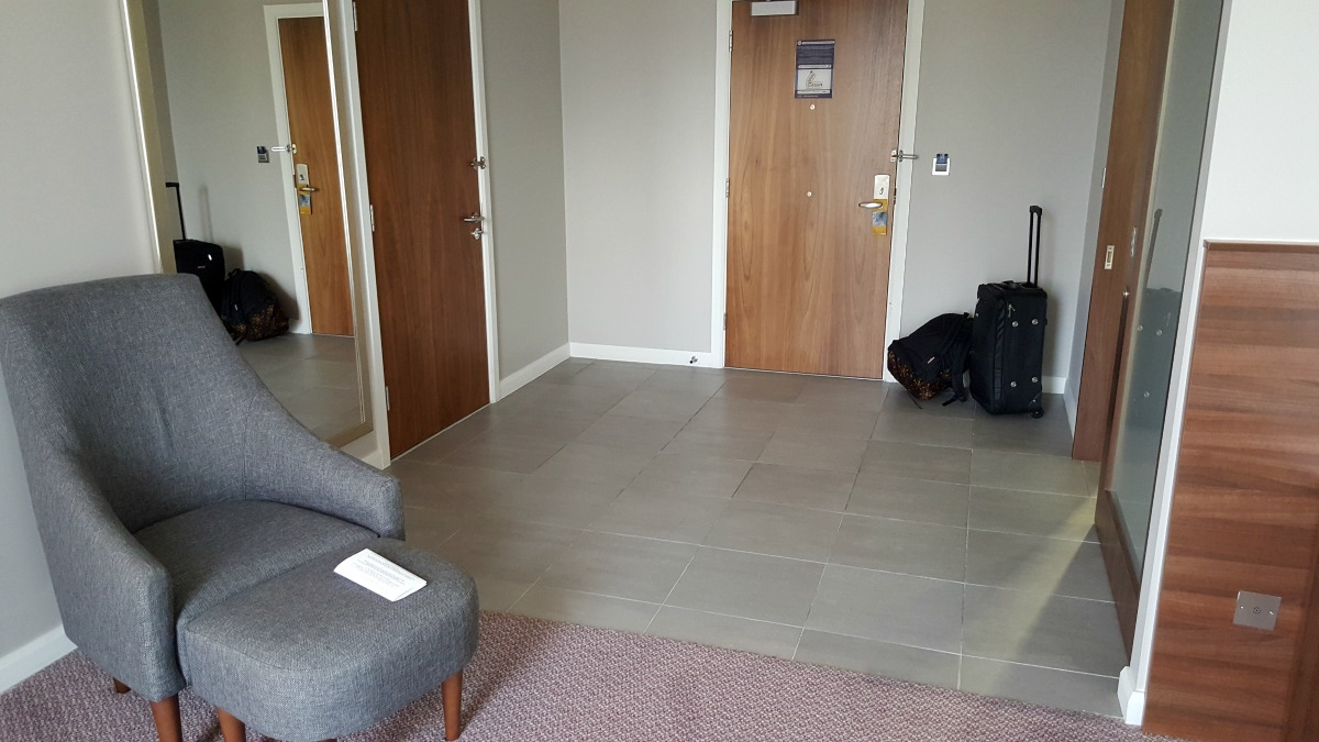 hampton by hilton bristol city centre accessible room luggage storage