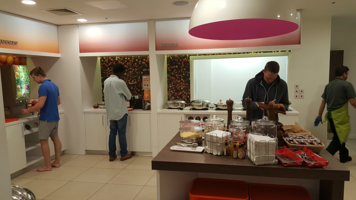 hampton by hilton bristol city centre buffet breakfast