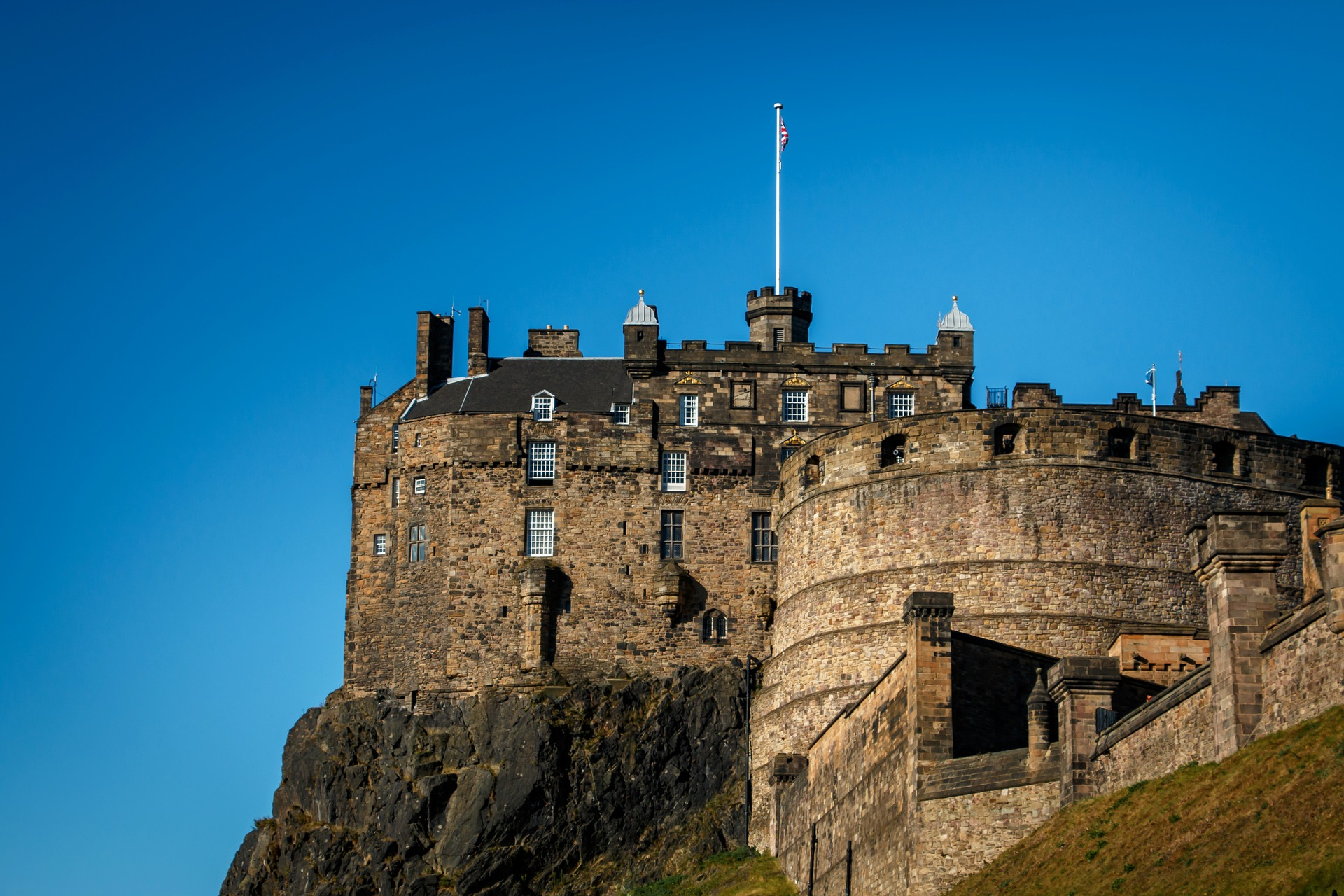 Visiting Edinburgh Castle in a Wheelchair