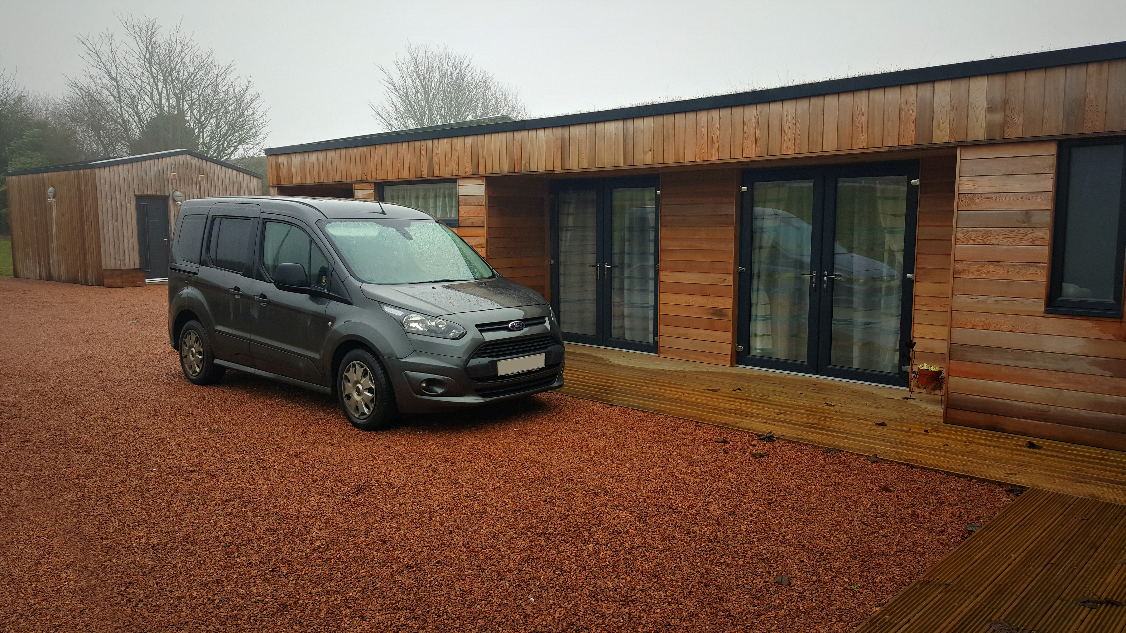 the-rings-accessible holiday-cottage-driveway