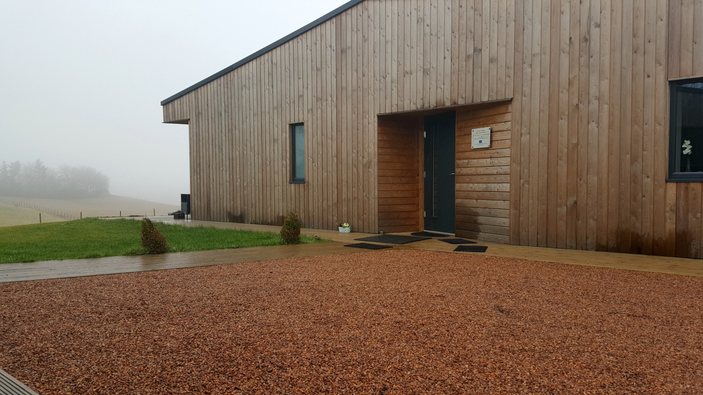 therings-accessible holiday-cottage-driveway-entrance