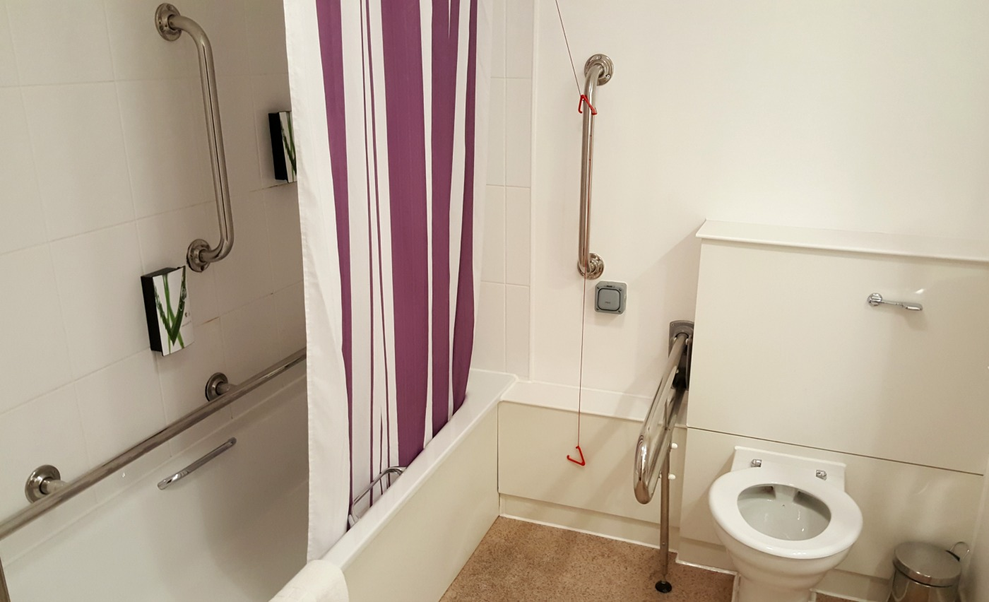 Premier Inn St. Helens South-accessible-bathroom