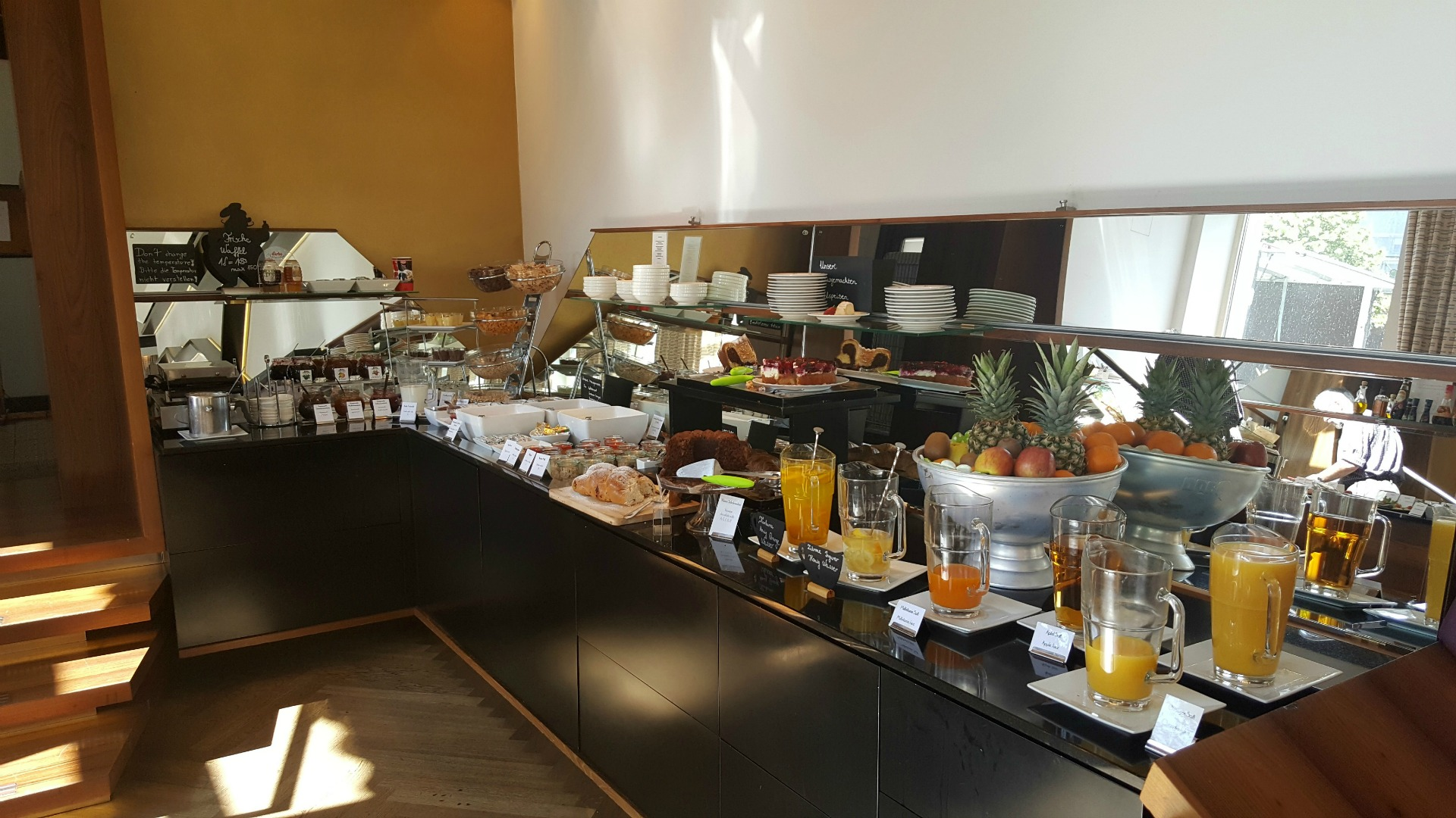 Boutique_Hotel_Donauwalzer_buffet_breakfast