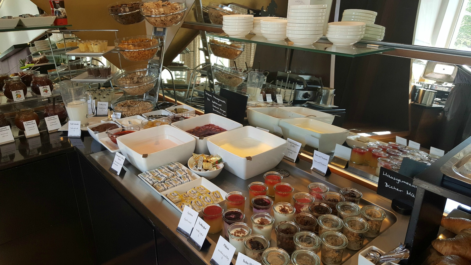 Boutique_Hotel_Donauwalzer_buffet_breakfast_daily
