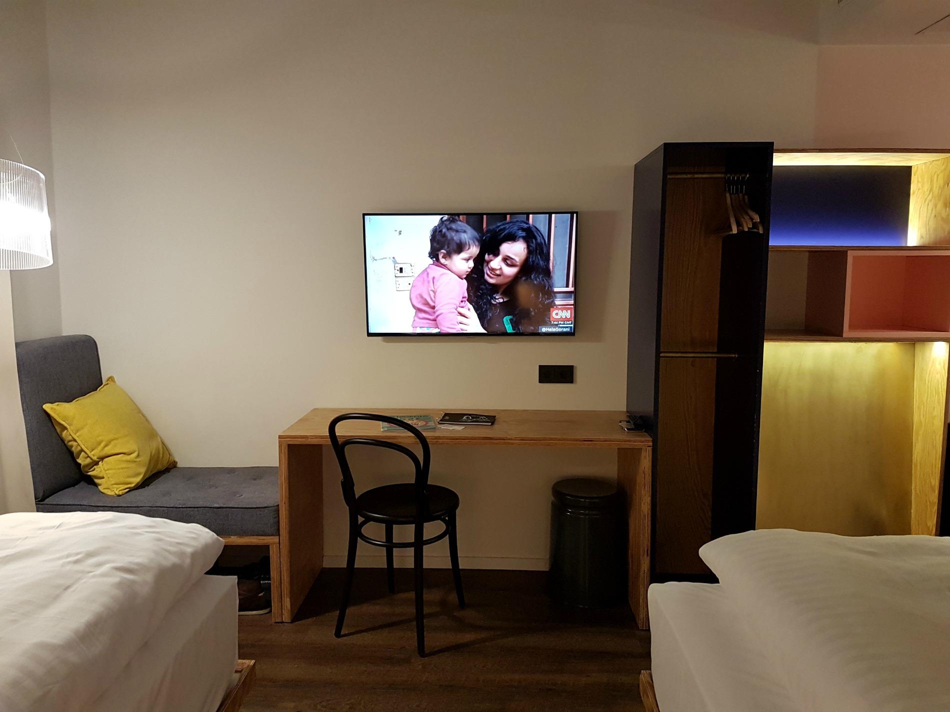 hotel-schani-wien-desk