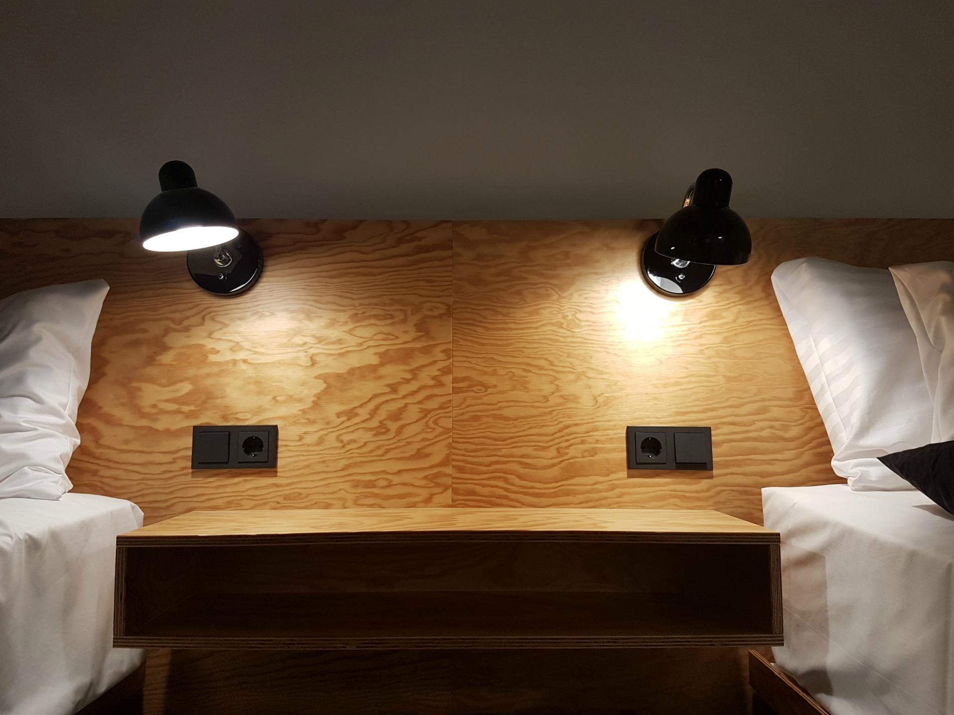 hotel-schani-wien-smart-garden-room-beds