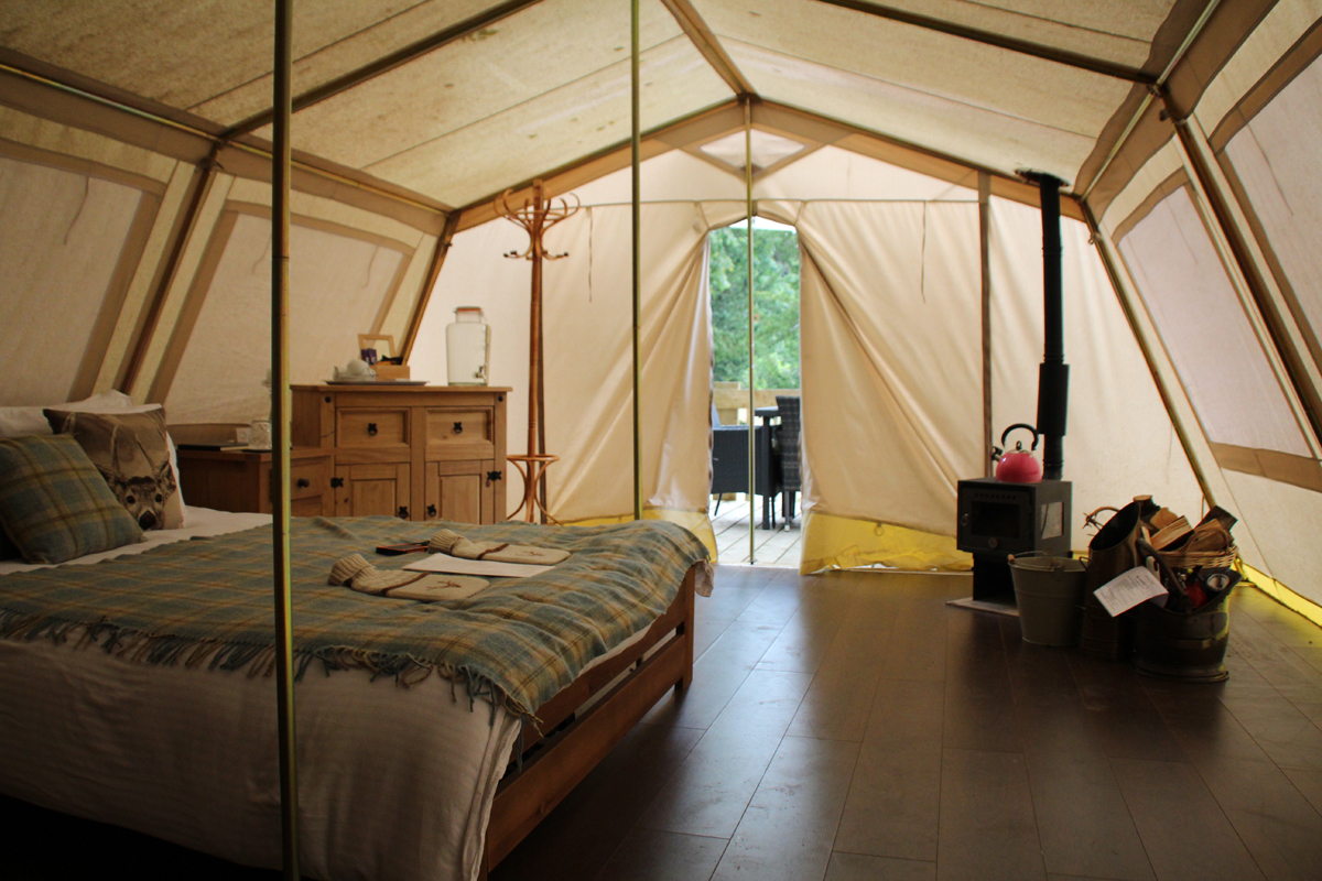 Glampotel Dundas Castle wheelchair accessible canvas cottage tent