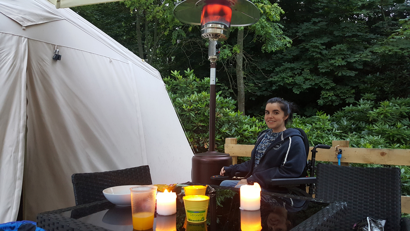 Glampotel Dundas Castle wheelchair accessible canvas cottage tent patio area