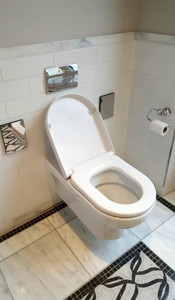 Hilton Paris Opera - Wheelchair Access Review - suite bathroom