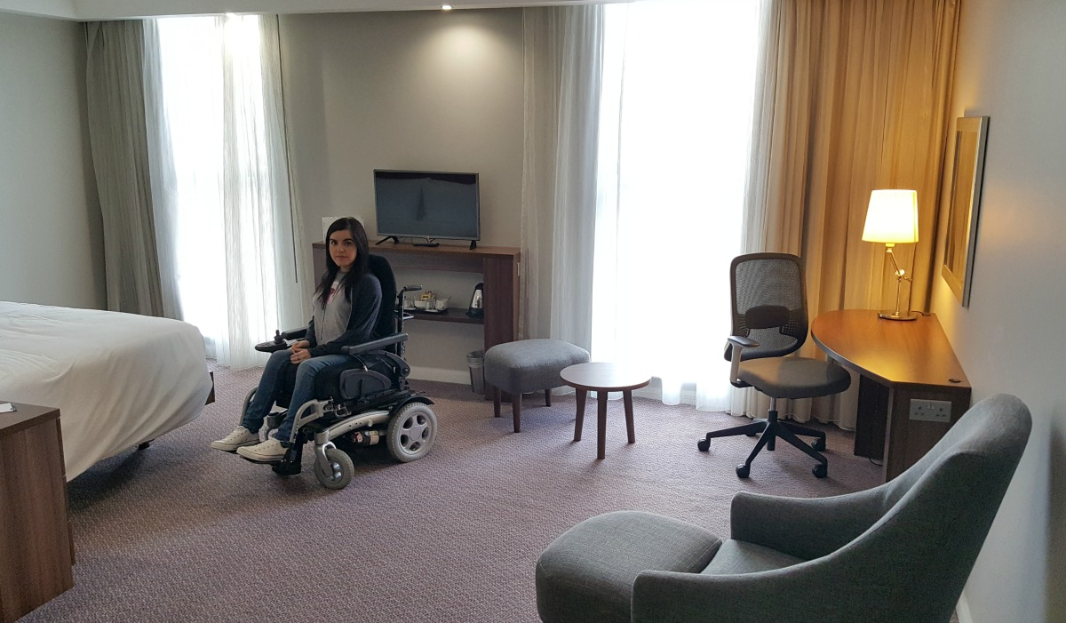 hampton by hilton bristol city centre accessible room