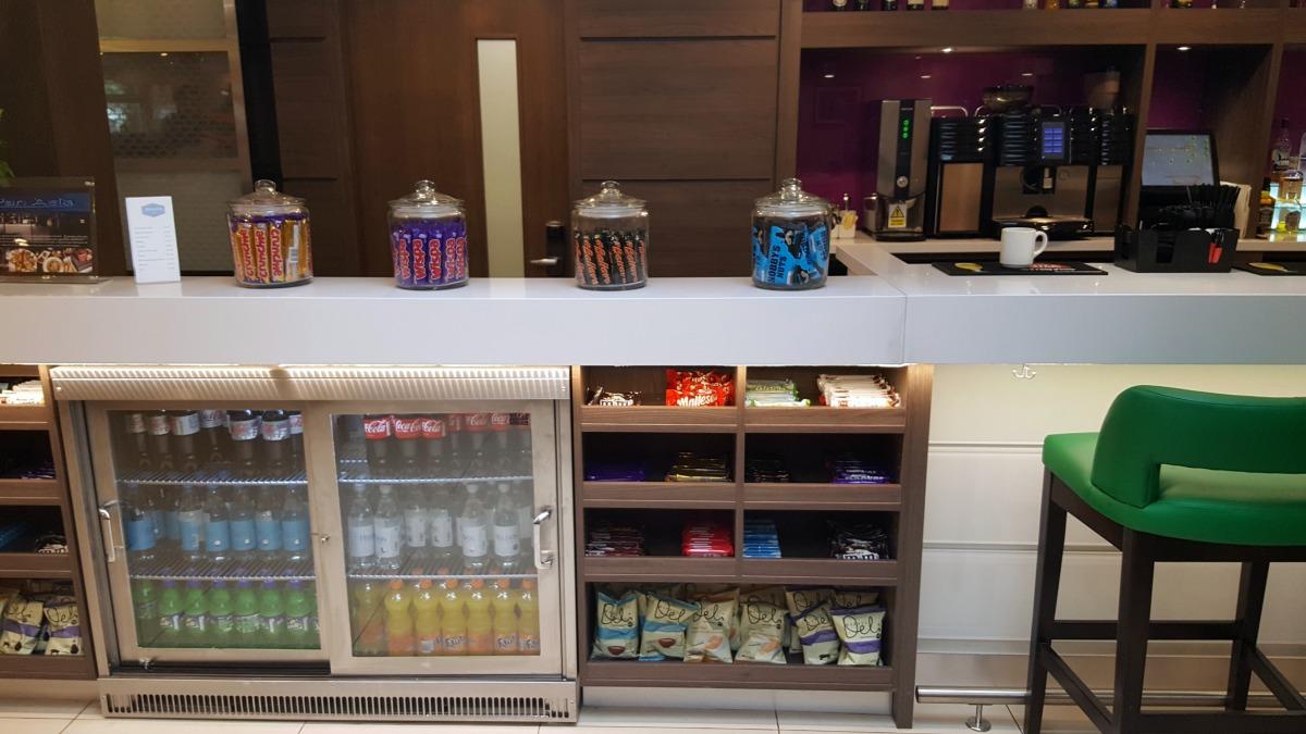 hampton by hilton bristol city centre bar snacks