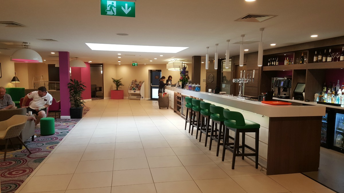 hampton by hilton bristol city centre lounge bar snacks reception