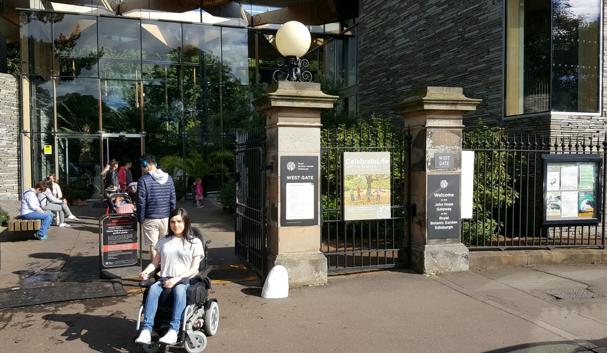 royal-botanic-garden-edinburgh-west-gate-john-hope-gateway-visitor-centre