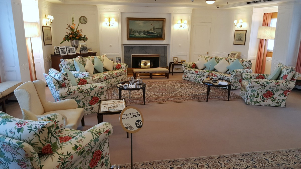 the-royal-yacht-britannia-the-state-drawing-room