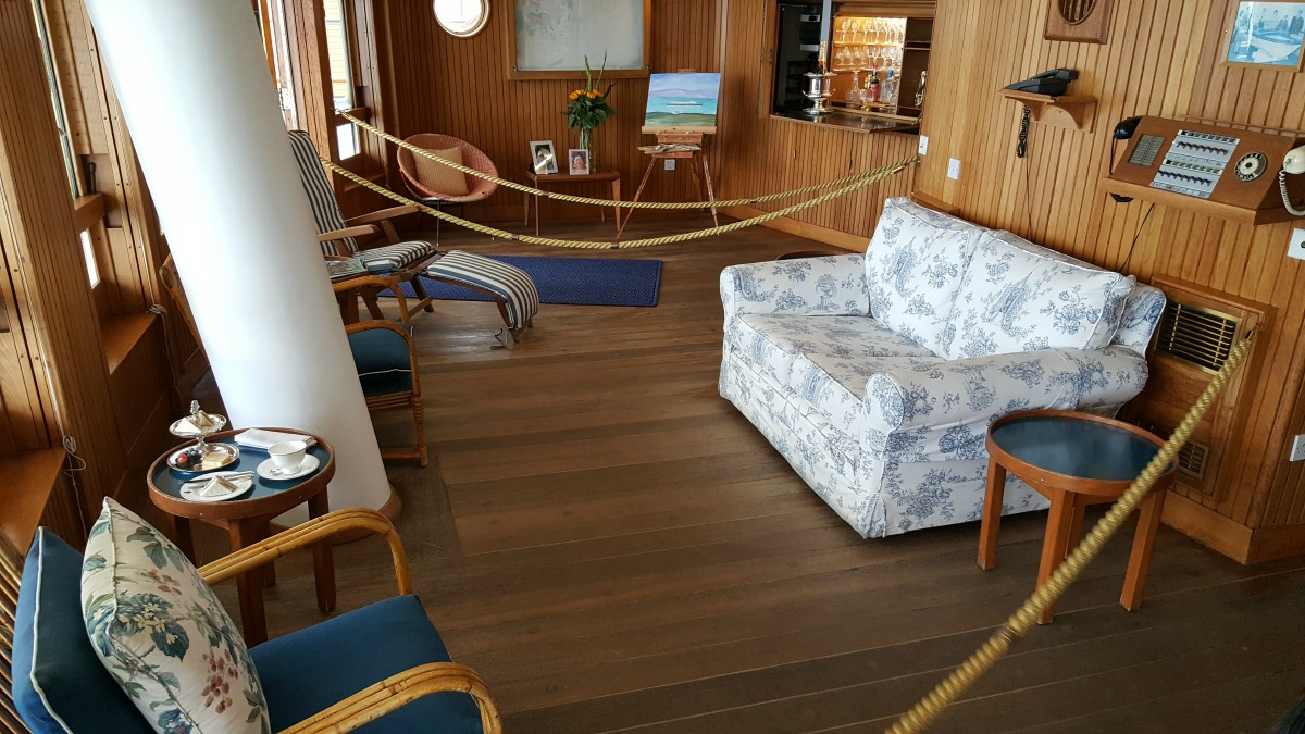 the-royal-yacht-britannia-the-sun-lounge