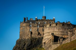 visiting-edinburgh-castle-in-a-wheelchair