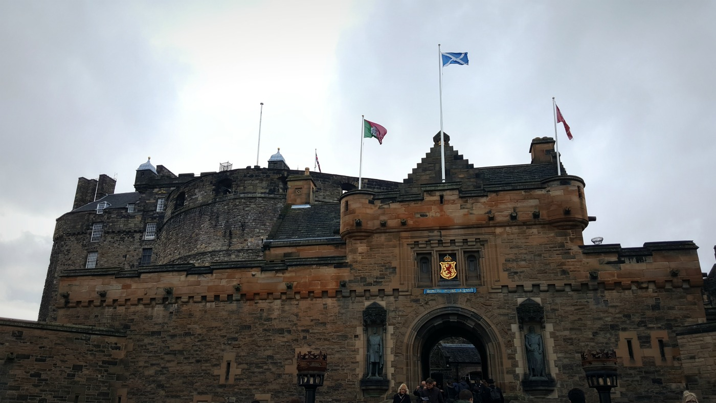 edinburgh-castle-entrance