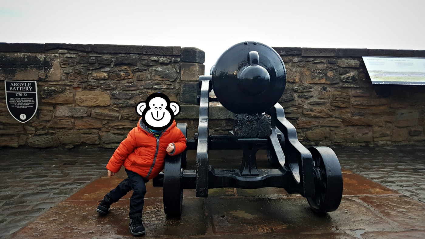 having-fun-at-edinburgh-castle