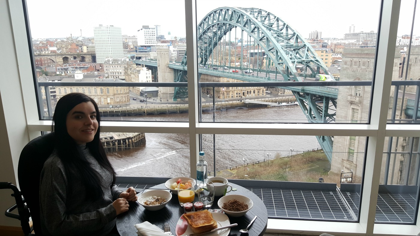 hilton-newcastle-gateshead-executive-lounge-breakfast-river-view