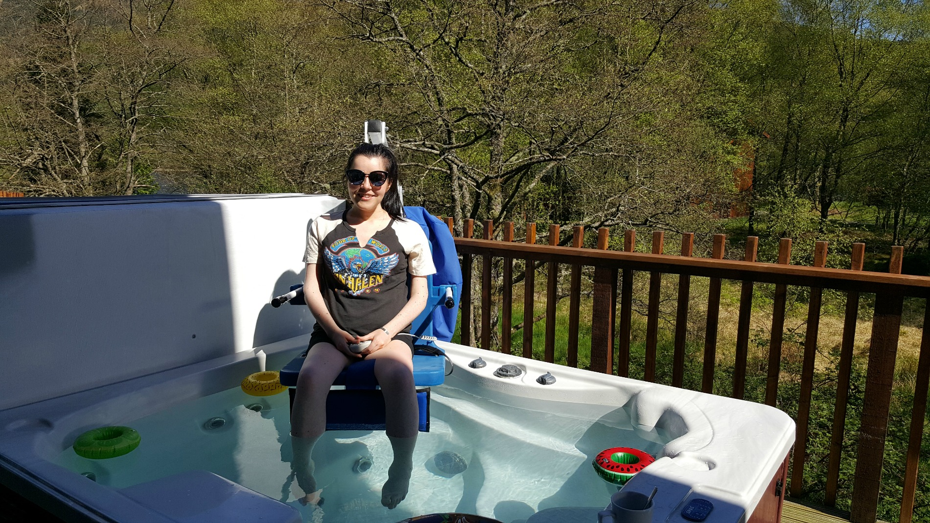 forest_holidays_strathyre_hot_tub_hoist