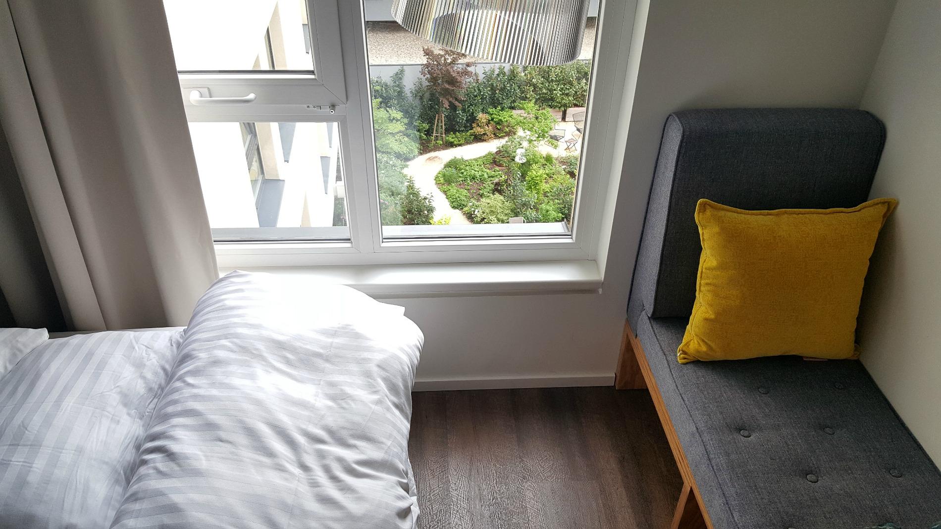 hotel-schani-wien-smart-garden-room