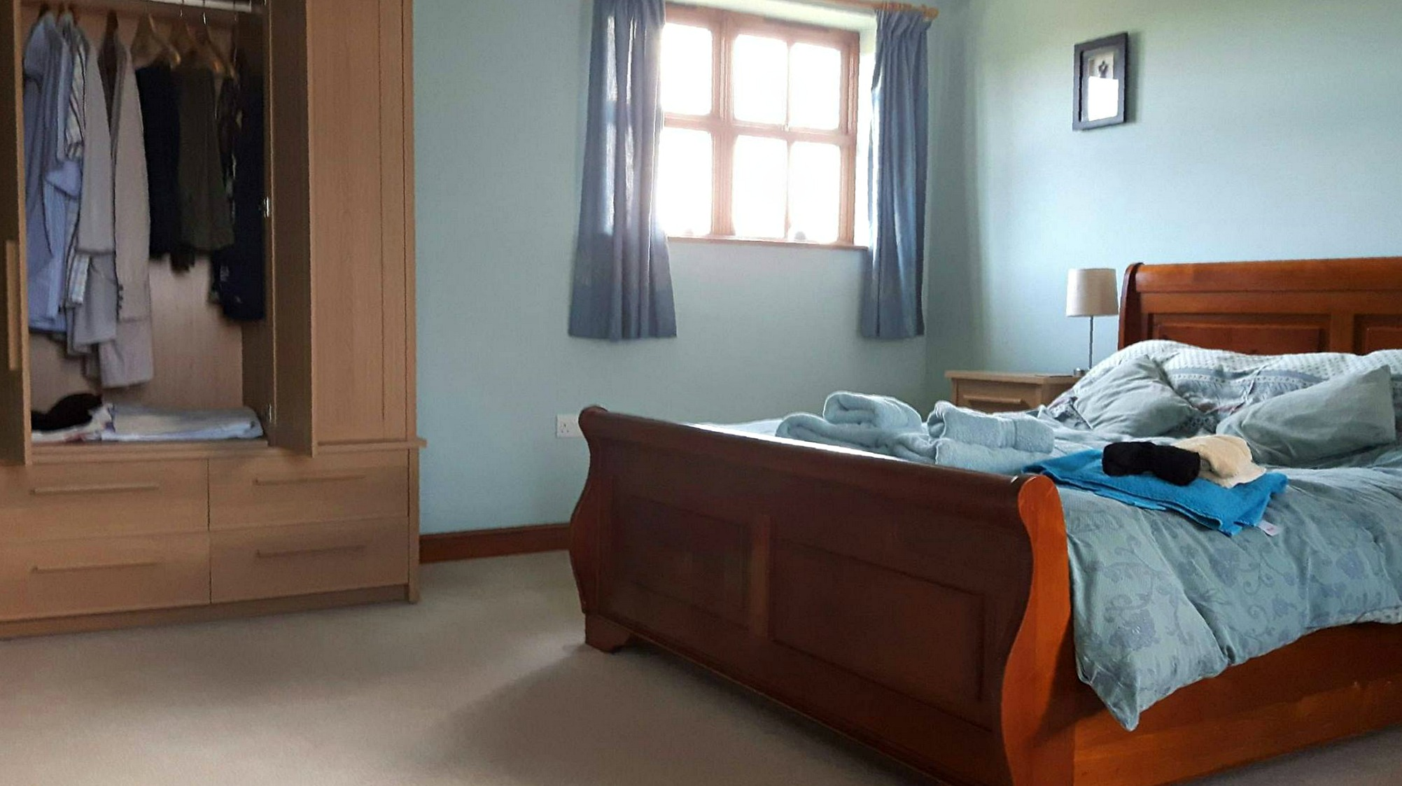 wheelchair accessible holiday cottage Whitby double bed