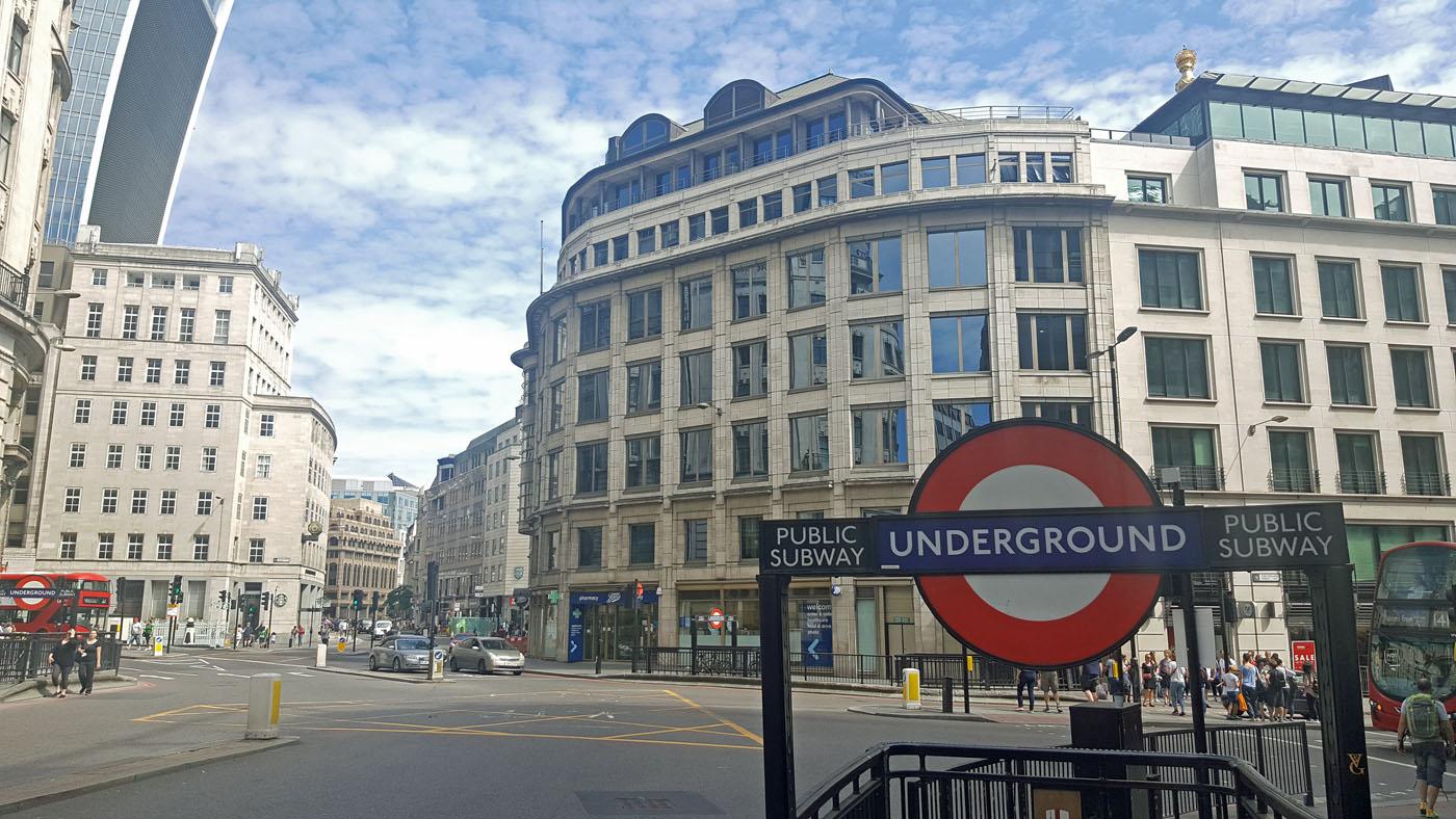 london-photo-diary-underground-sign