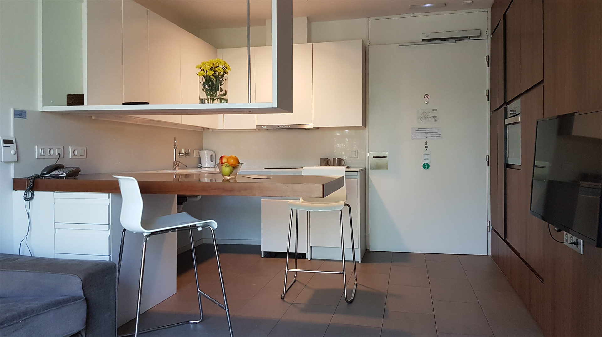 mics-sant-jordi-apartment-kitchen-livingroom