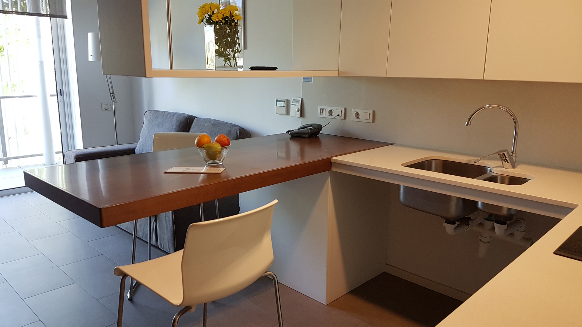 mics-sant-jordi-apartment-kitchen