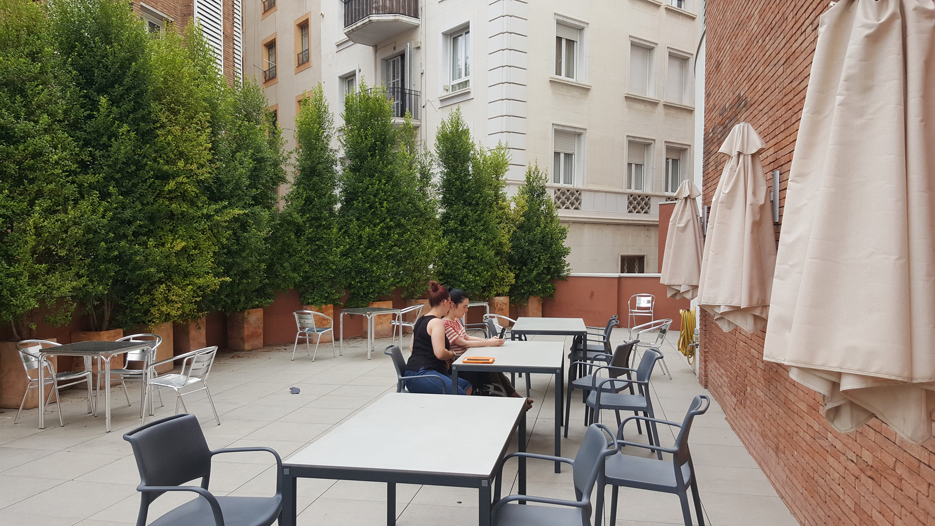 mics-sant-jordi-outdoor-dining-terrace-wheelchair-accessible