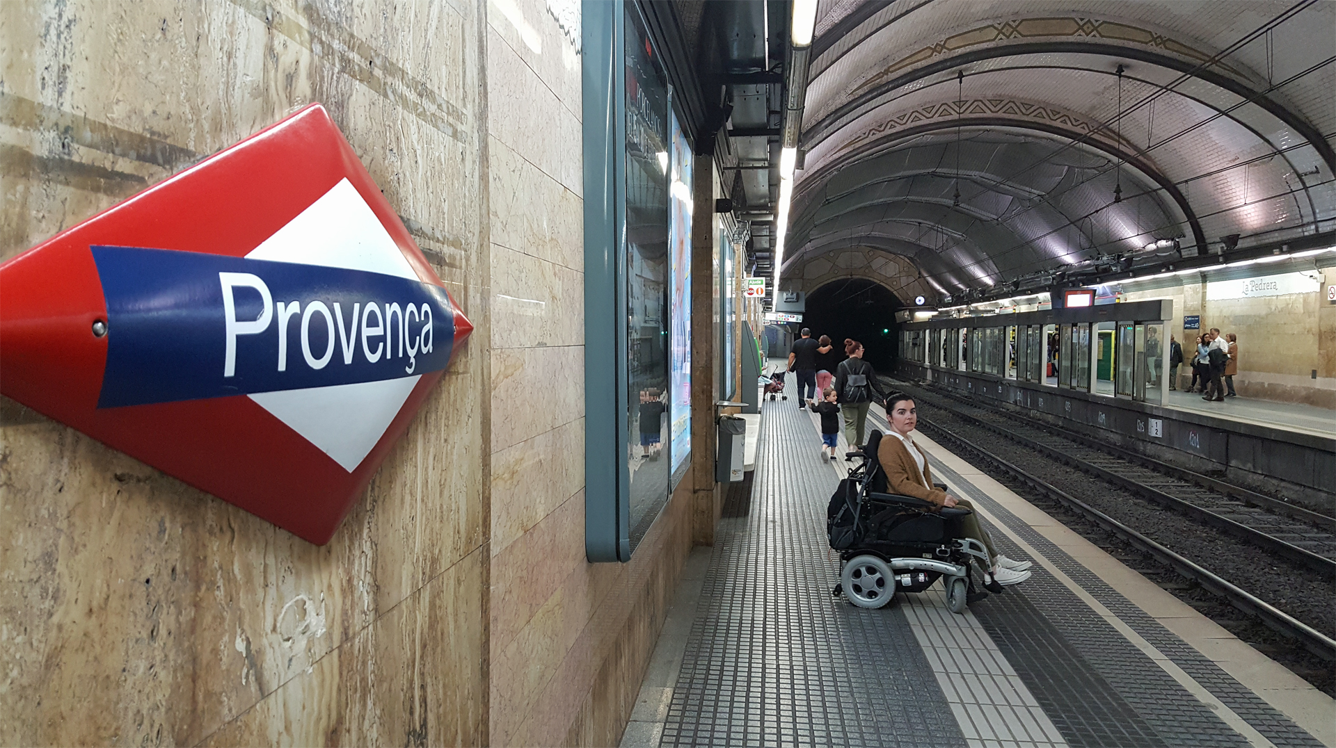 accessible-travel-guide-to-barcelona-metro-station-accessibility