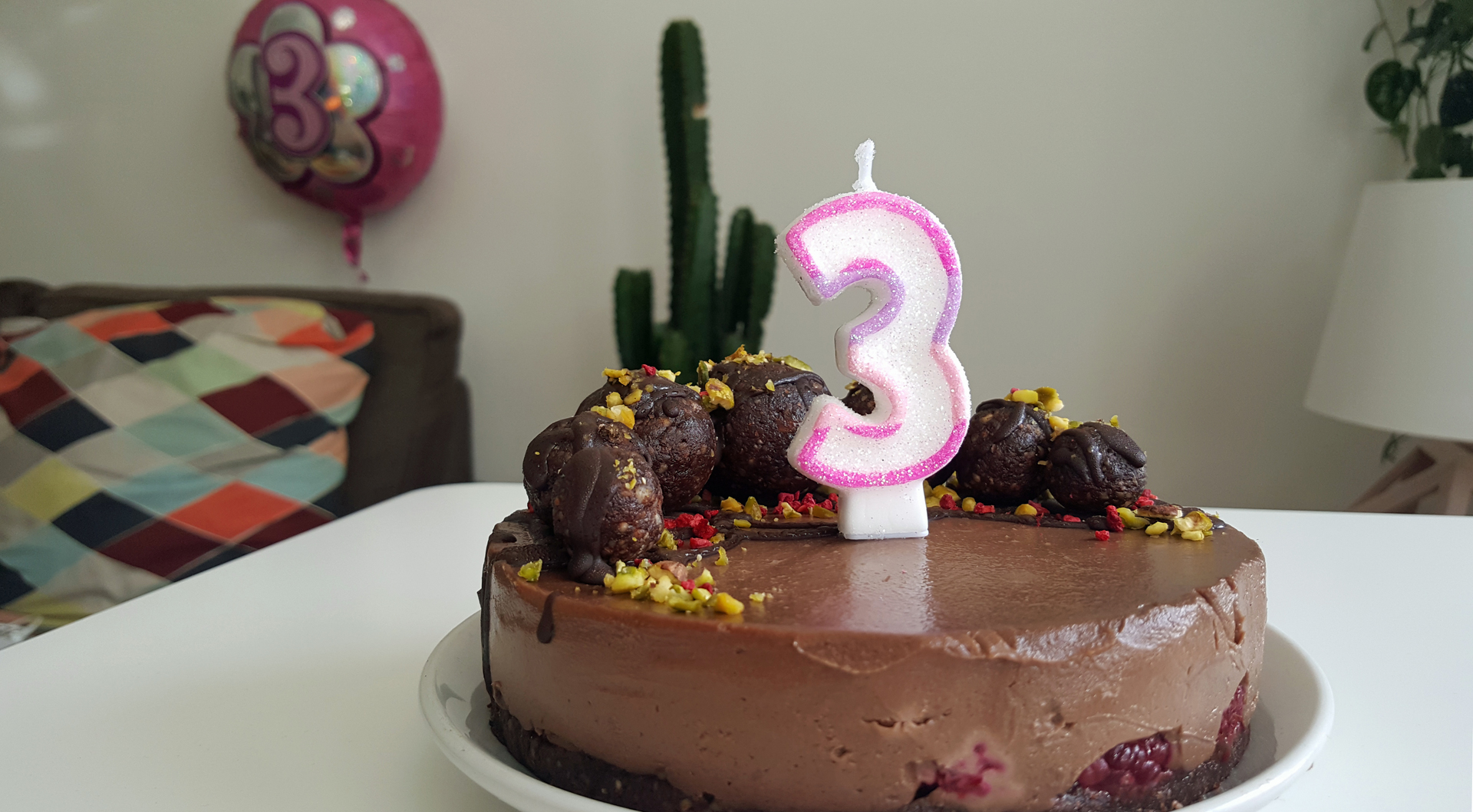 three year BLOGIVERSARY blitz patisserie raw vegan cake