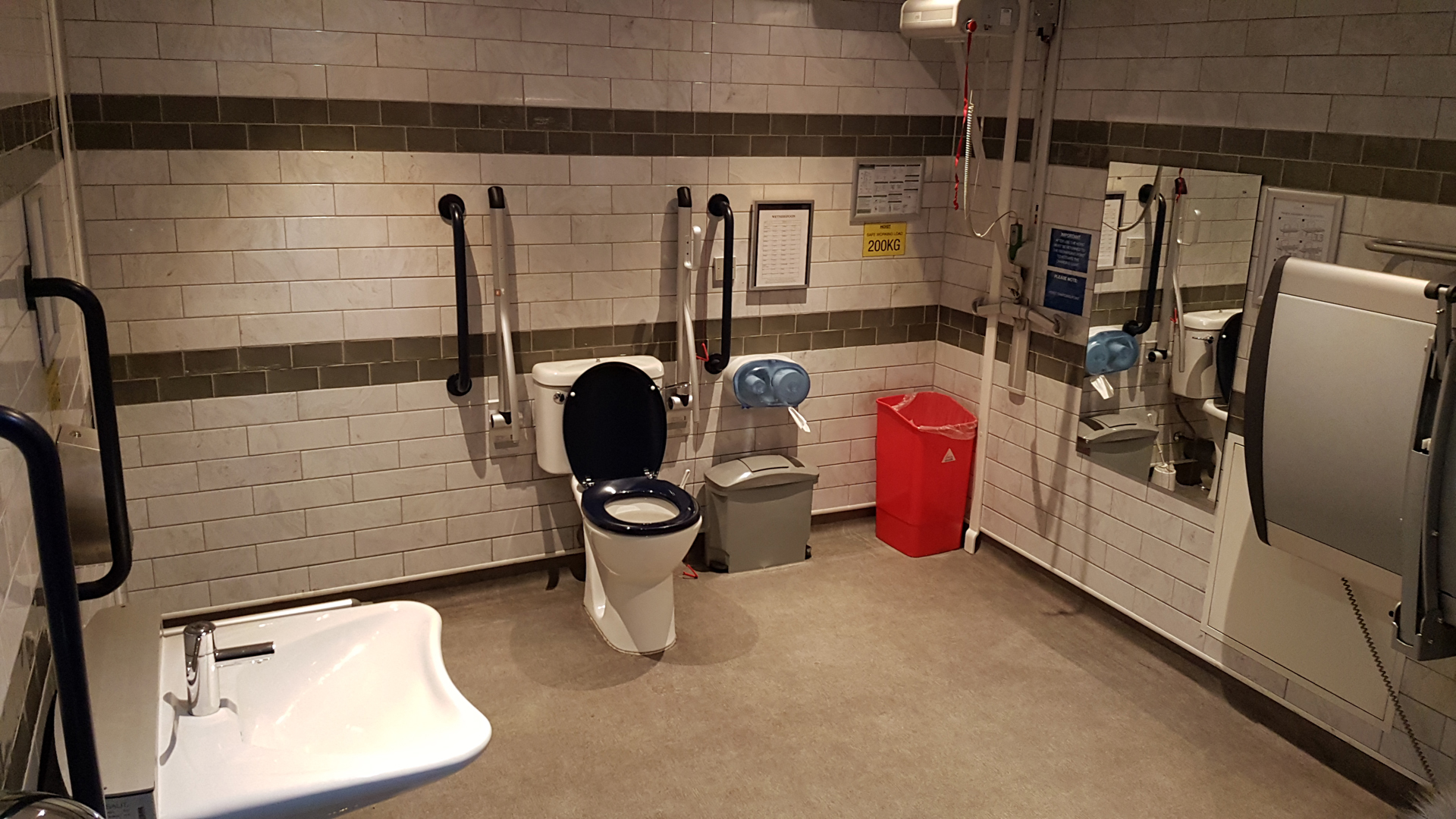 Changing Places toilet at Wetherspoons Waverley The Booking Office, which is across from Edinburgh's Christmas market at Princes Street.