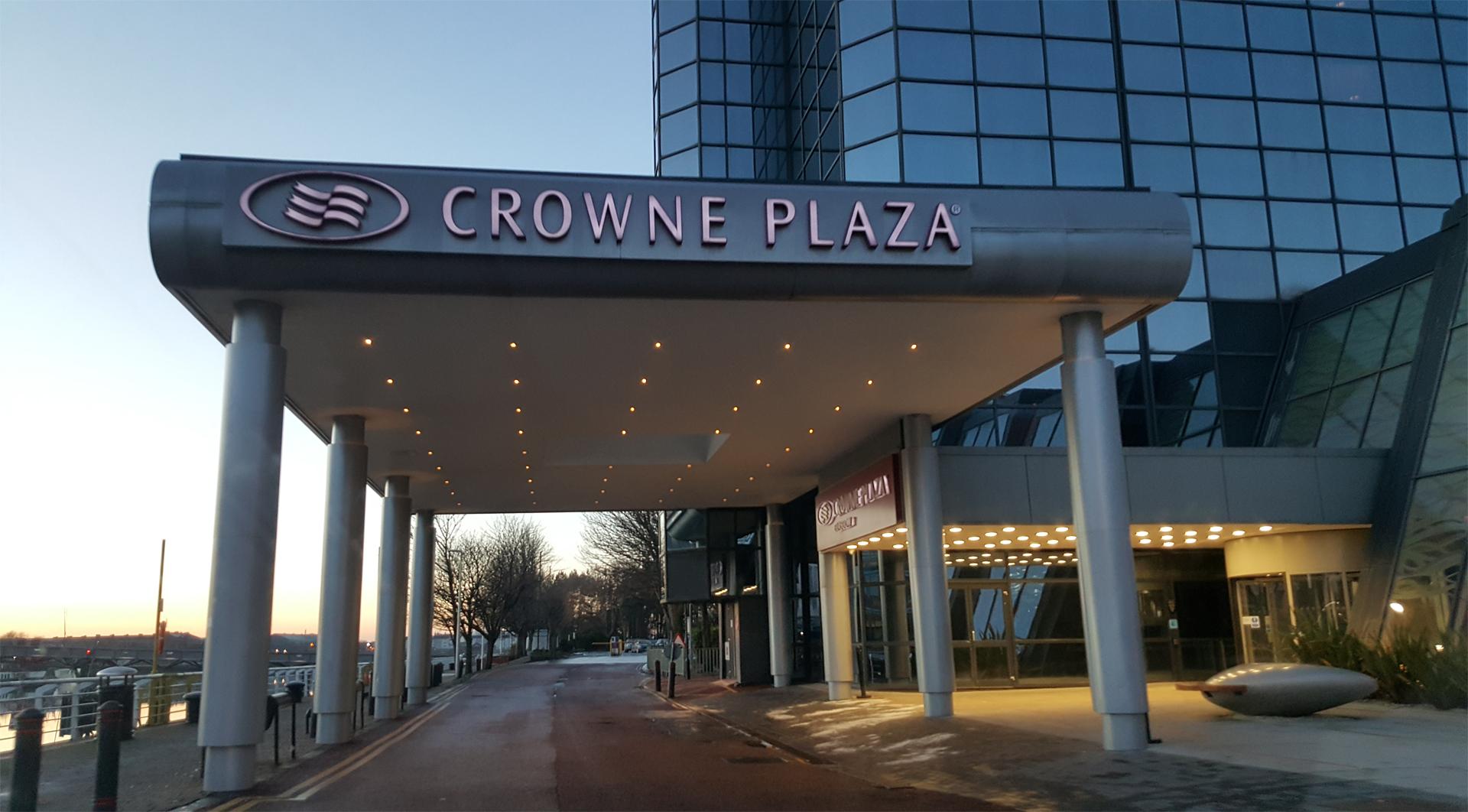 Crowne Plaza Glasgow hotel entrance