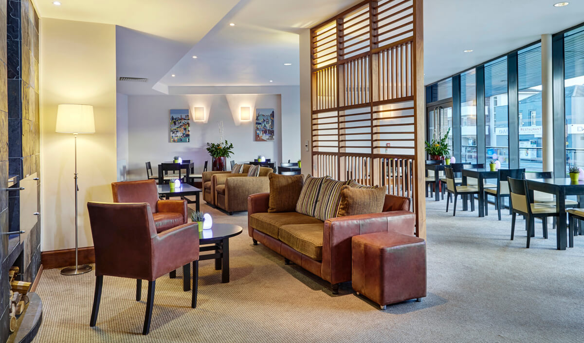 Staybridge Suites Newcastle Wheelchair access review - Lounge and breakfast area
