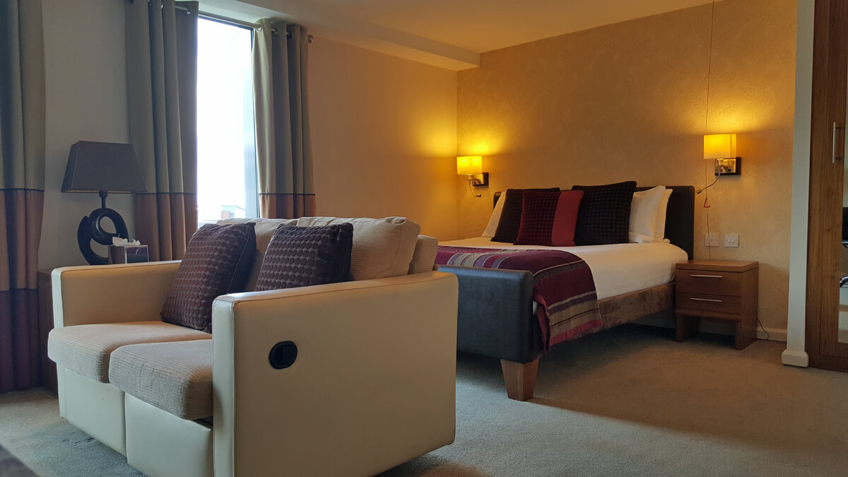 Staybridge Suites Newcastle Wheelchair access review - accessible suite with plush bed