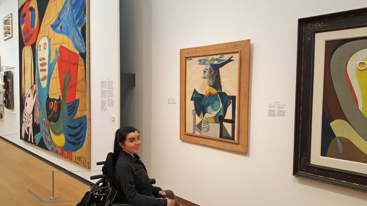 Emma admiring a Pablo Picasso painting in the stedelijk museum, Amsterdam.