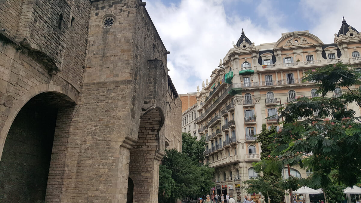 Favourite Accessible Things To Do In Barcelona: This photo shows the stunning architecture and buildings in the Gothic Quarter.