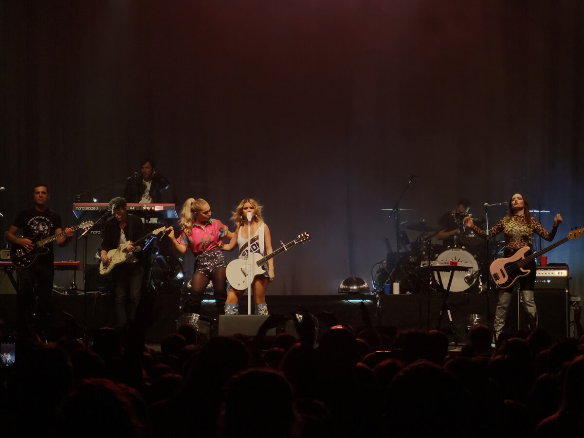 Maren Morris and Raelynn performing together on stage at O2 Academy Glasgow