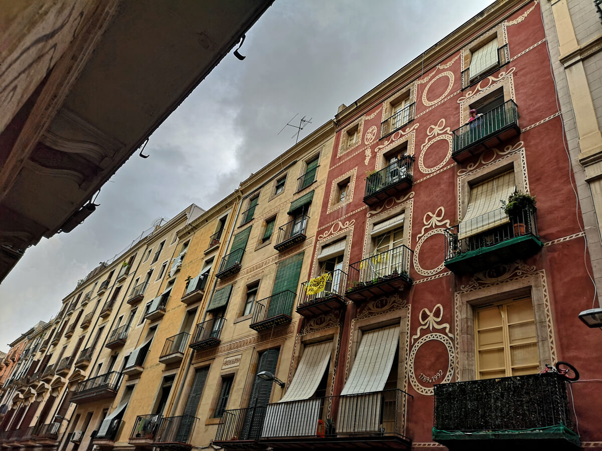 Barcelona colourful buildings
