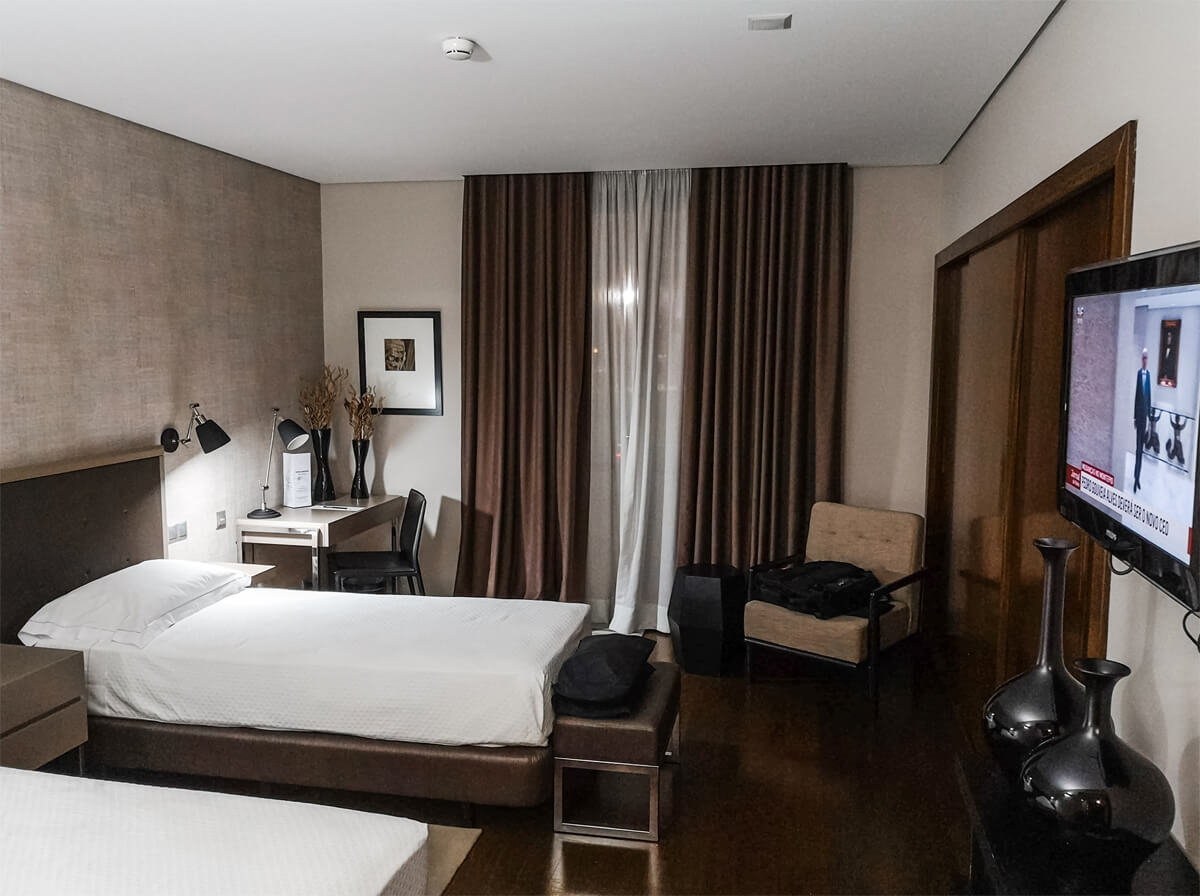 An outer shot of the wheelchair accessible room at Villa Batalha Hotel