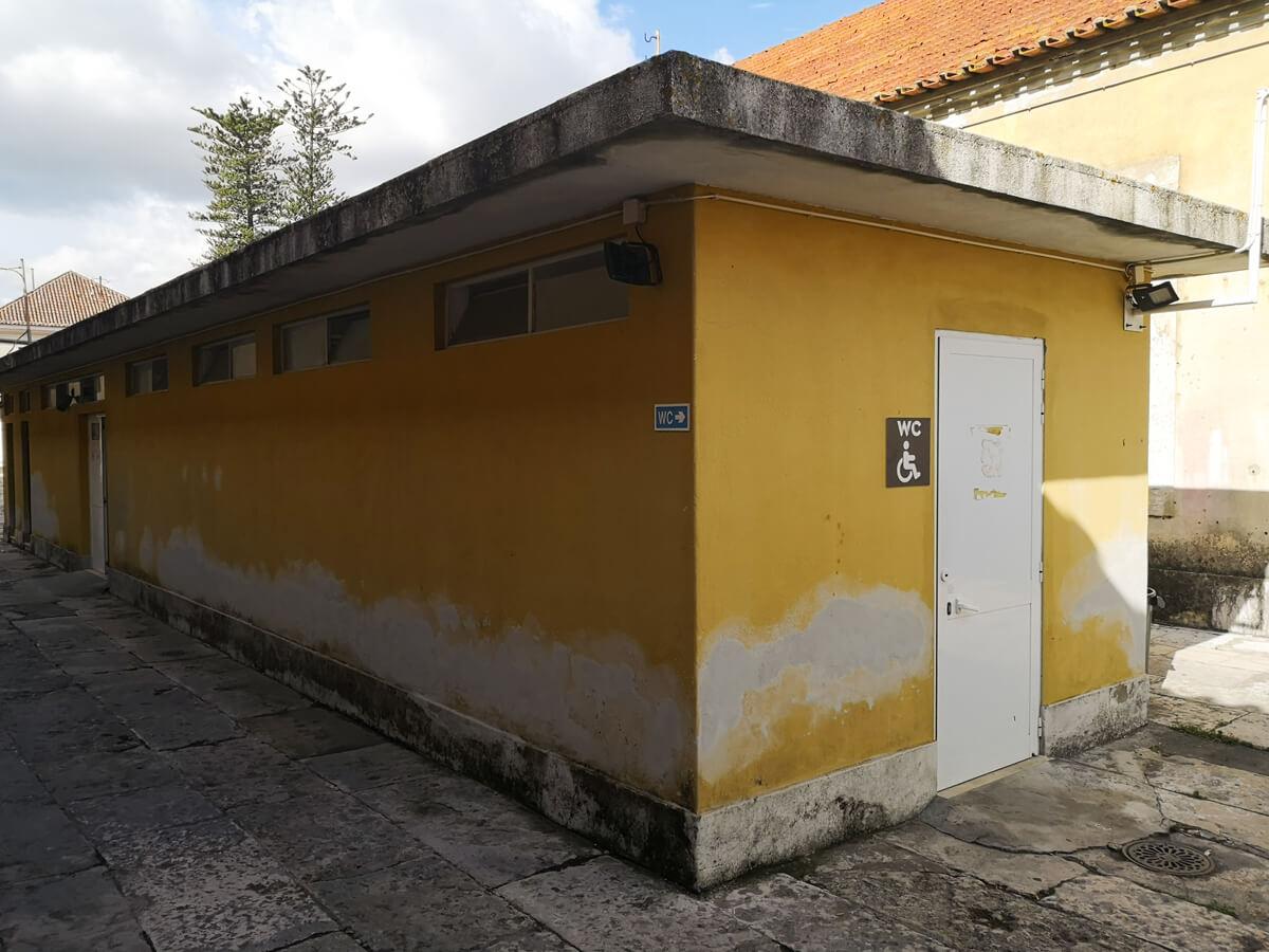 Wheelchair accessible toilet at Cordoaria Nacional in Lisbon
