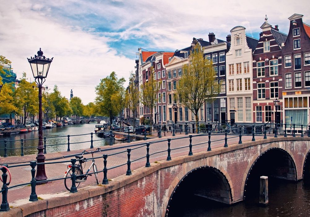 10-Wheelchair-Friendly-Things-To-Do-In-Amsterdam-The Netherlands