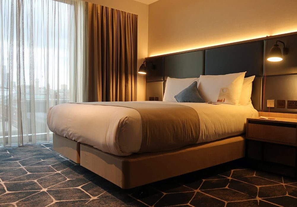The queen sized bed in the queen accessible room at Crowne Plaza Manchester Oxford Road